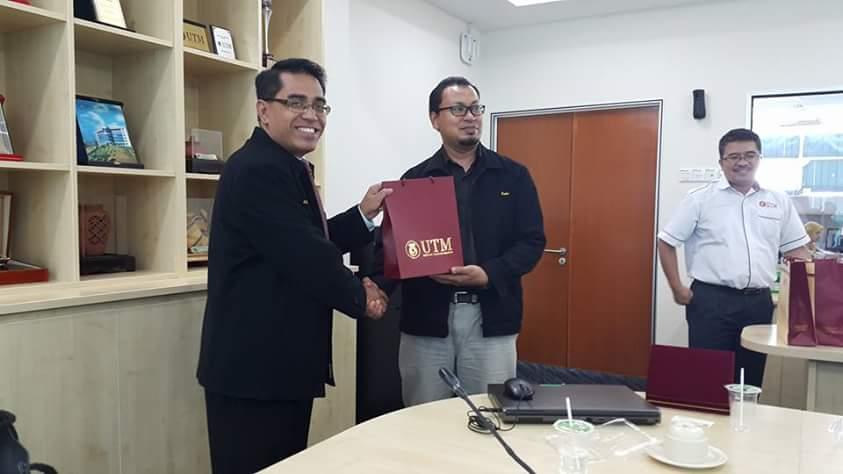 LAWATAN PENANDA ARAS KE UNIVERSITI MALAYSIA PAHANG (UMP)
