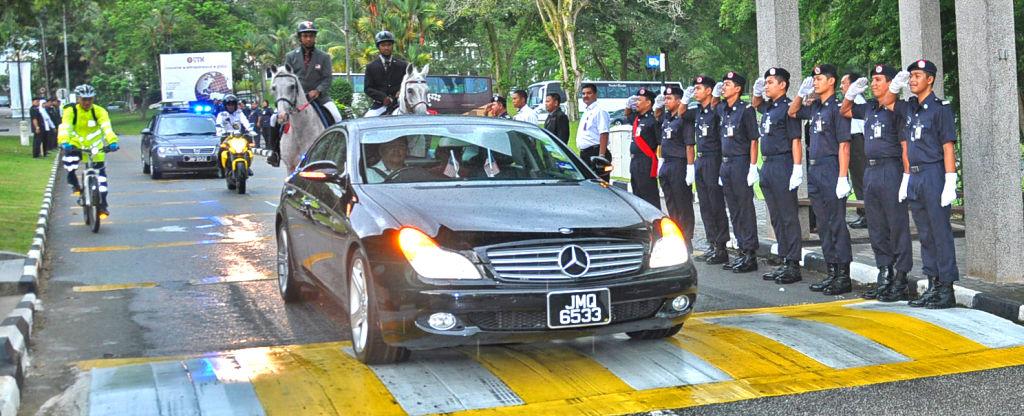 Kawalan Kehormatan Bahagian Keselamatan Sempena Hari Terakhir Dato Seri Ir. Dr. Zaini Ujang Sebagai Naib Canselor
